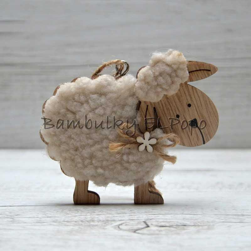 Ovečka s kytičkou