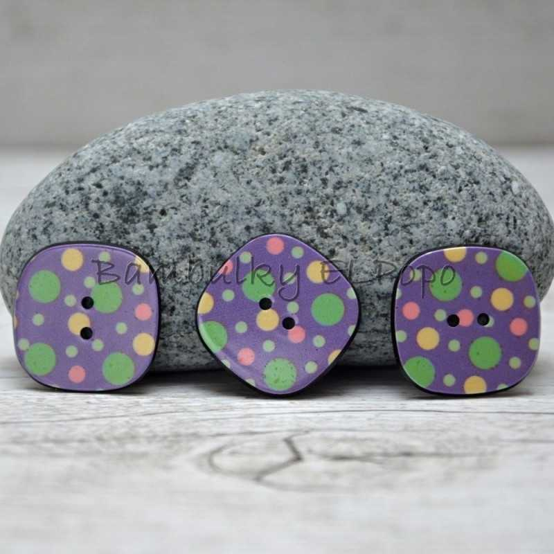 Knoflík puntík fialový (cena za 3ks)