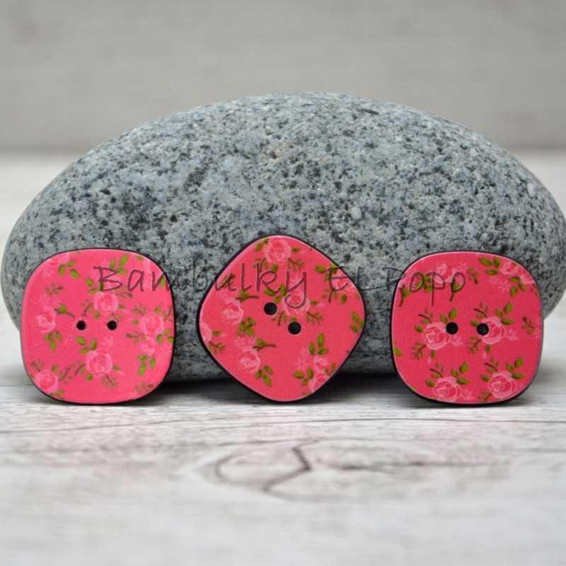 Knoflík kytička tm. růžový (cena za 3ks)