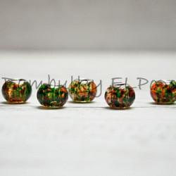 Skleněný korálek stříkaný zeleno-oranžový (cena za 1 kus)