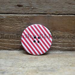 Knoflík dřevěný proužek (38mm) červený